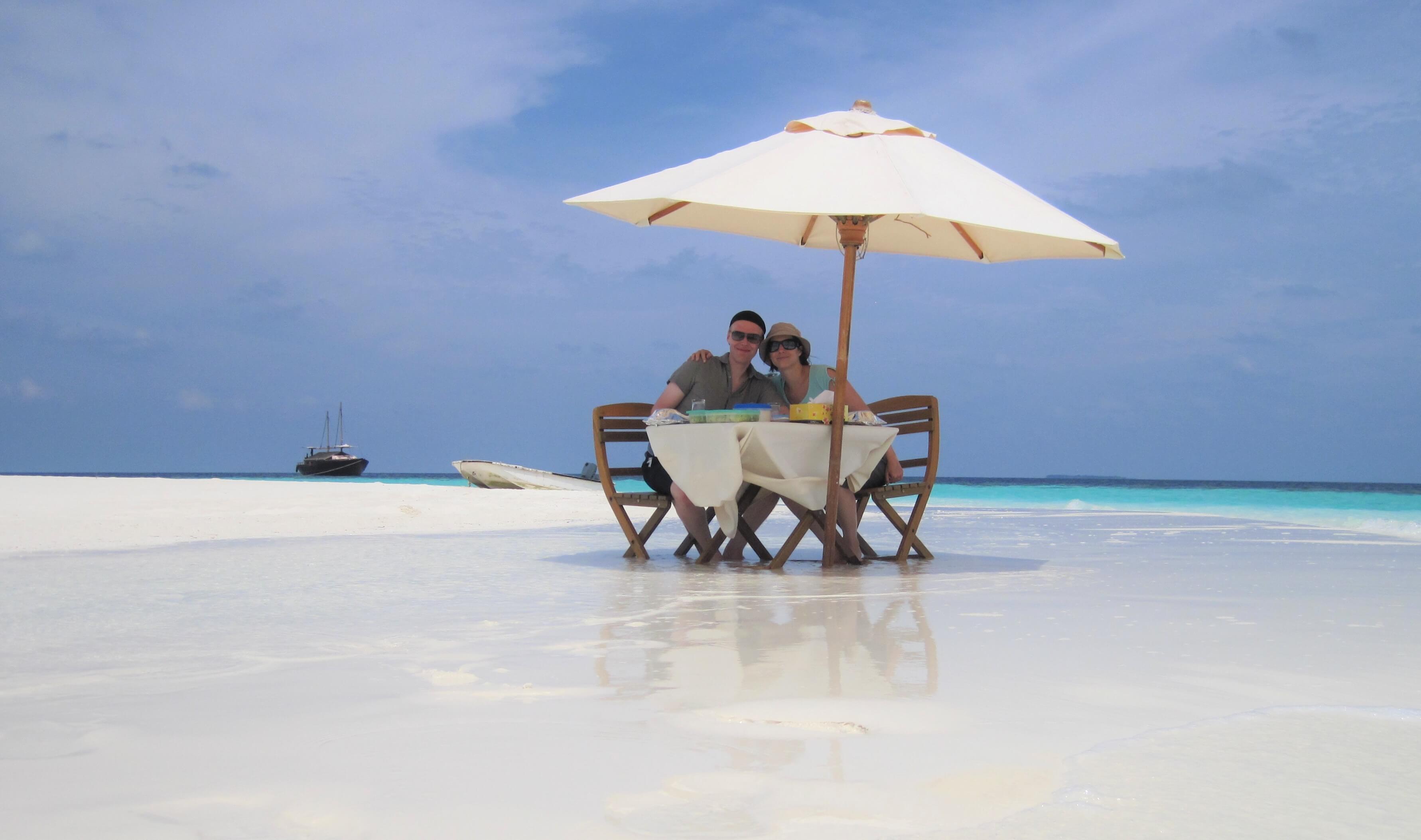 Repas en amoureux sur ile déserte aux Maldives