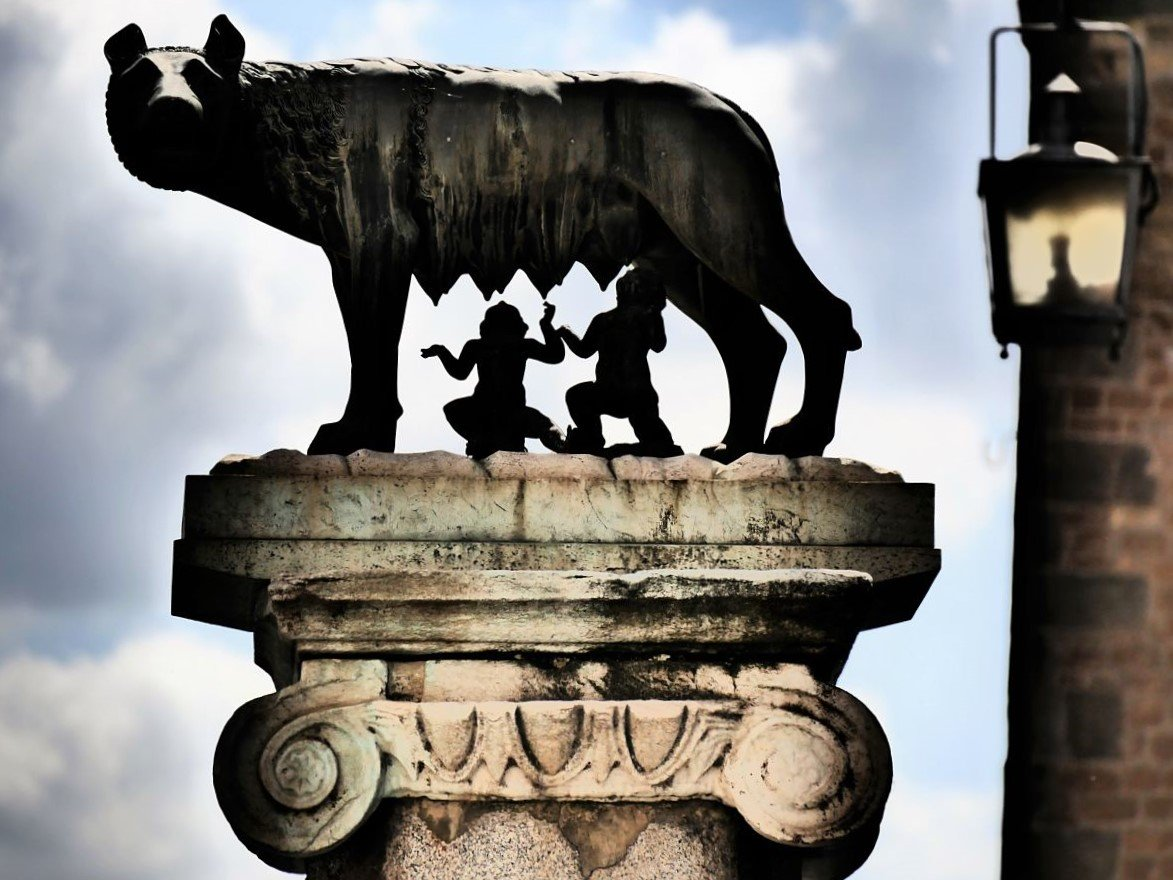 week end romantique rome statue romulus et remus italie blog voyage suisse cosy on holidays. Black Bedroom Furniture Sets. Home Design Ideas