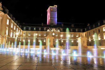 Visiter Dijon et la Place de la Libération et le Palais des Ducs de nuit à Dijon