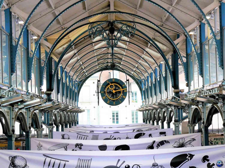 L'intérieur des halles de Dijon pour le brunch à Dijon