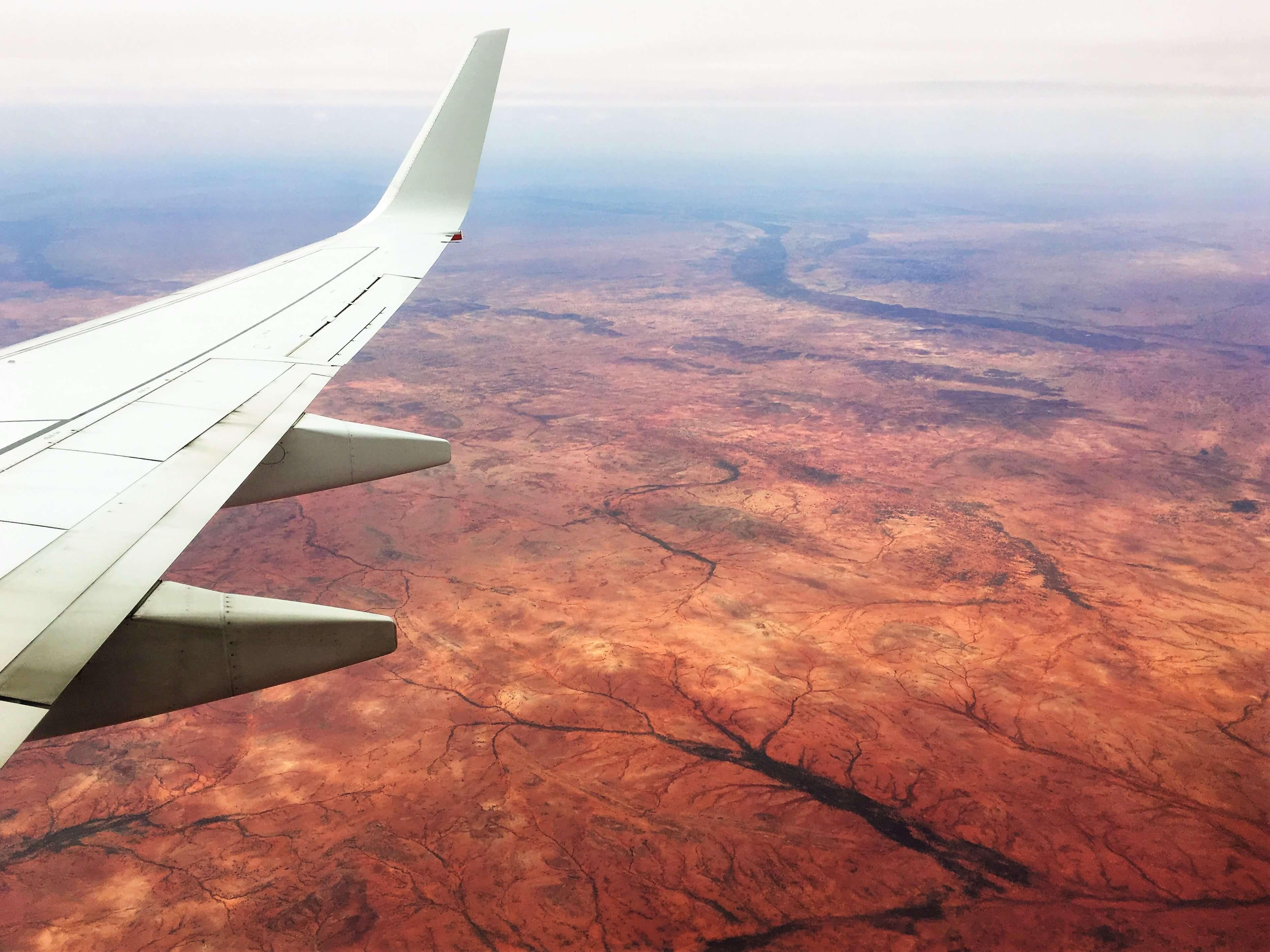 Vol au-dessus de l'outback en Australie