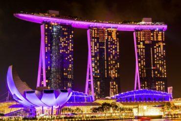Marina Bay Sands de nuit à Singpour