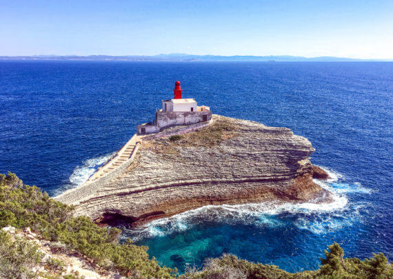 Visiter la Corse_Phare de la Madonetta Bonifacio