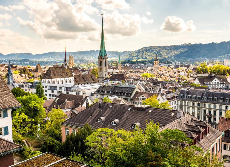 Voir les toits de Zurich depuis l'esplanade
