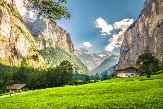 Oberland bernois dans la Vallée de Lauterbrunnen